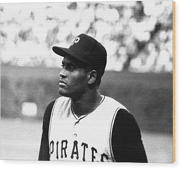 Roberto Clemente Wood Print by Retro Images Archive