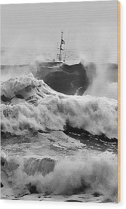 Rough Sea Training Wood Print by Dale Stillman