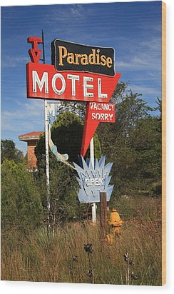 Route 66 - Paradise Motel Wood Print by Frank Romeo