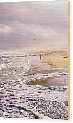 Run For The Wave Wood Print by William Walker