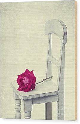 Single Red Rose Wood Print by Edward Fielding