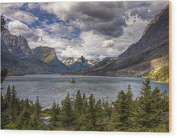 St. Mary's Lake Wood Print by Andrew Soundarajan