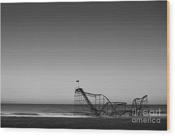 Star Jet Roller Coaster Hdr Wood Print by Michael Ver Sprill