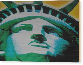 Statue Of Liberty  Wood Print by Rob Hans