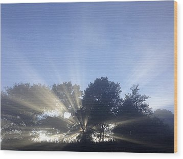 Sun Rays Wood Print by Les Cunliffe