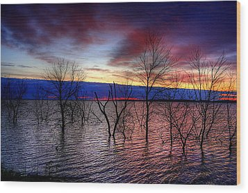 Sunrise On Devils Lake Wood Print by Larry Trupp