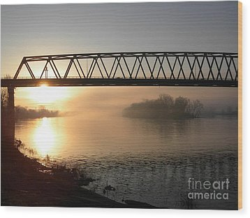 Sunrise Over The Ohio Wood Print