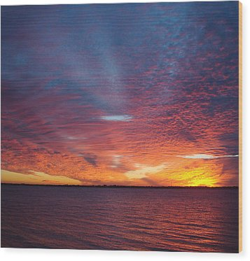 Sunset At Cafe Coconut Cove 5 Wood Print