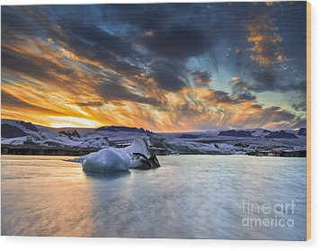 sunset at Jokulsarlon iceland Wood Print