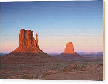 Sunset Buttes In Monument Valley Arizona Wood Print by Katrina Brown