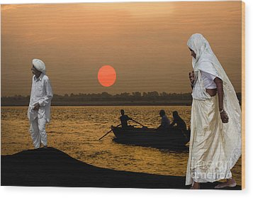 Sunset On Ganges Wood Print