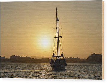 Wood Print featuring the photograph Sunset Sailing In Cabo by Christine Till