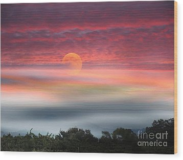 Super Moon Over Santa Rosa Wood Print