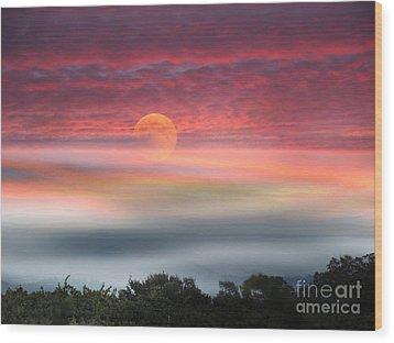 Super Moon Over Santa Rosa Wood Print by Leslie Hunziker