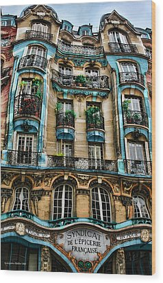 Syndicat De L'epicerie Building Wood Print