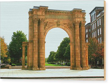 Union Station Arch Wood Print by Laurel Talabere
