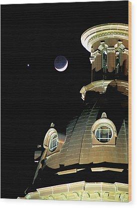 Venus And Crescent Moon-1 Wood Print