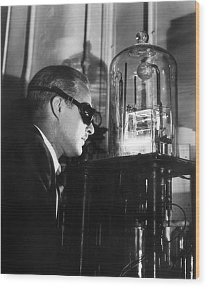 Walter Brattain, Us Physicist Wood Print by Science Photo Library