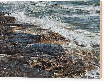 Waves Break On The Rocks. Wood Print by Alexandr  Malyshev