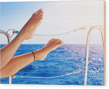 Women's Feet On The Yacht Wood Print