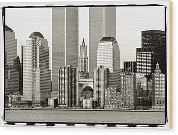Woolworth Building Between Twin Towers Wood Print by Frank Winters