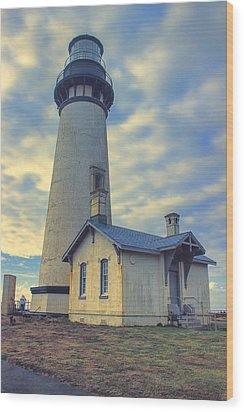 Yaquina Head Lighthouse Wood Print by Cathy Anderson
