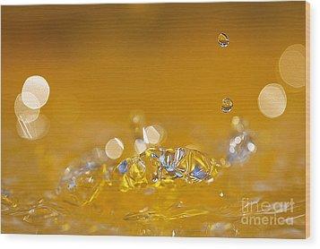 Water Drops Wood Print by Odon Czintos
