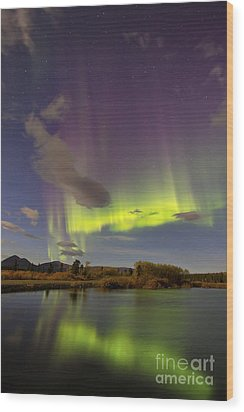 Aurora Borealis With Moonlight At Fish Wood Print by Joseph Bradley