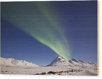 Aurora Borealis With Moonlight Wood Print by Joseph Bradley