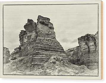 Monument Rocks - Chalk Pyramids Wood Print by Bill Kesler