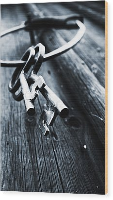 17th Centure House Keys Wood Print