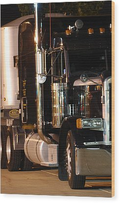 Wood Print featuring the photograph 18 Wheeler by Ramona Whiteaker