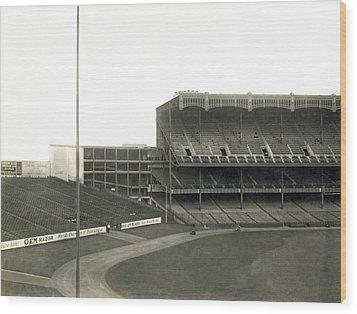 1923 Yankee Stadium Wood Print by Underwood Archives