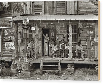 1930's Southern Gas Station Wood Print by Bill Cannon