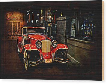 1931 Cord L-29 Wood Print by Maria Angelica Maira