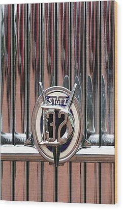 1932 Stutz Dv-32 Super Bearcat Emblem Wood Print by Jill Reger