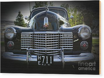 1941 Cadillac Front End Wood Print by Paul Ward