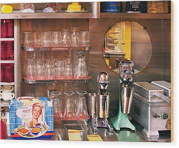 1950's - Diner - A 1950's Diner Wood Print by Mike Savad
