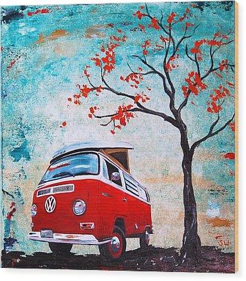 1970 Red Volkswagen Camper Bus Wood Print by Sheri Wiseman