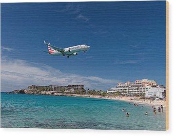 American Airlines At St Maarten Wood Print by David Gleeson