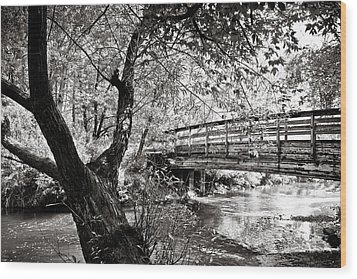 Bridge At Ellison Park Wood Print