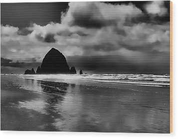Cannon Beach - Oregon Wood Print by David Patterson