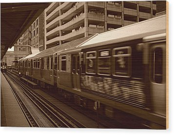 Wood Print featuring the photograph Chicago Cta by Miguel Winterpacht