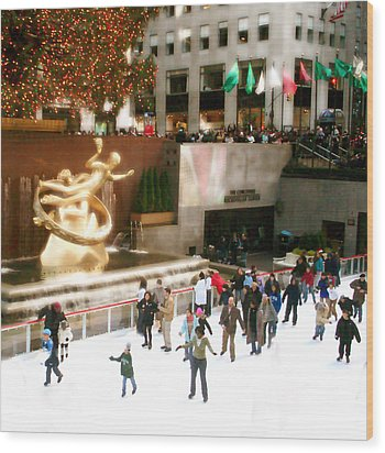 Wood Print featuring the photograph Christmas In New York by Raymond Earley