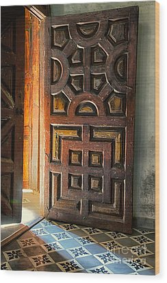 Church Entrance In San Miguel De Allende Wood Print