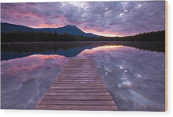 Daicey Pond Sunrise Wood Print