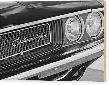 Dodge Challenger Rt Grille Emblem Wood Print by Jill Reger