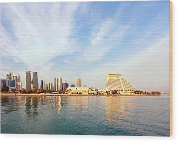 Doha Bay At Sunset Wood Print by Paul Cowan