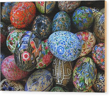 Wood Print featuring the photograph Egg Basket by Sylvia Thornton