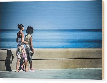 2 Girls On The Malecon Wood Print by Patrick Boening